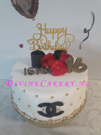 Ongekend Sweet Sixteen Chanel taart - Divine Cakery: Taarten & Cupcakes JU-78